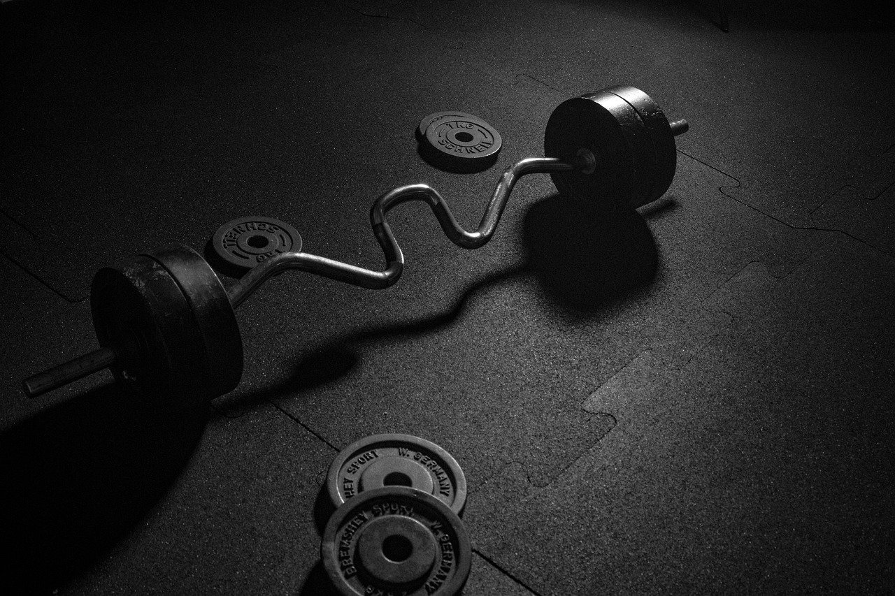 Ćwiczenia w domu dla mężczyzn bez sprzętu czyli treningi w warunkach domowych.